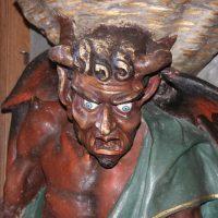 El demonio Asmodeo de la iglesia que visitaremos
