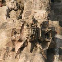 La barca de San José esconde la figura de Gaudí. ¿Por qué se representó a sí mismo tras una roca de Montserrat?