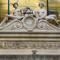 Hermetismo en la puerta del Corte Inglés