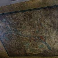 Mapa del antiguo París, junto a la que fue la perfumería Emperatriz